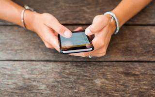 Телефон грязнее унитаза: чем можно и чем нельзя его чистить
