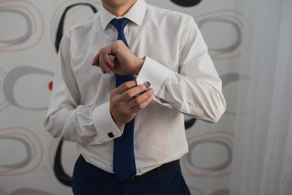 Как отстирать воротник и манжеты белой рубашки